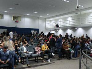 Professores lotam plenário da Câmara Municipal a fim de acompanhar possível votação de reajuste