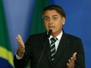 *ARQUIVO* BRASÍLIA, DF, 30-04-2019: O presidente Jair Bolsonaro assina MP que diminui burocracia para startups e pequenos negócios, em Brasília. (Foto: Pedro Ladeira/Folhapress)