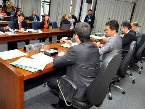 A reunião da CCJR aconteceu na manhã desta quarta-feira, no Plenarinho Nelito Câmara