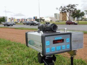Jair Bolsonaro, determina ao Ministério da Justiça e Segurança Pública, por meio de despachos publicados hoje (15)