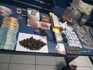 Produtos encontrados na casa do traficante