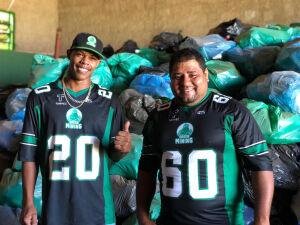 Coletor Willian e supervisor Afonso integram a equipe que atua no hub de Brasília