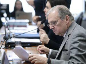 Relator da reforma na CCJ da Câmara, Tasso Jereissati (PSDB-CE) propôs mudanças por PEC paralela e supressões no texto principal