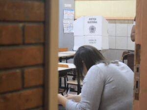 Após locais de votação precários e falta de cédulas, eleição de Conselheiros é suspensa