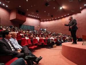 'Stand Up' de Marcos Pulga acontece no Dia do Servidor Público em Campo Grande