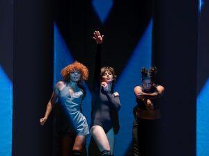 Companhia apresenta espetáculo de dança para alunos de escolas públicas no Teatro Glauce Rocha