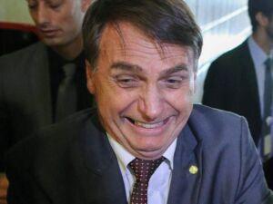 Bolsonaro cumpre promessa de campanha, mas 13º do Bolsa Família só vale para 2019