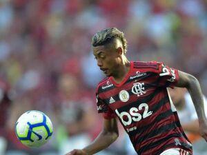 Bruno Henrique foi o destaque da partida com 3 gols