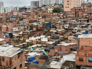 Dez jovens morreram durante um baile funk na favela de Paraisópolis, em São Paulo