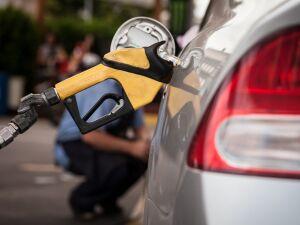 Gasolina em alta e recuo do etanol nos postos do Centro-Oeste