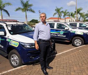 Governador Reinaldo Azambuja (PSDB) na entrega de viaturas
