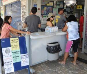 Apostadores em lotérica, que passarão a oferecer mais uma opção de jogo