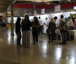 Expositores trazidos pela XII Feira de Negócios da UCDB atenderão a comunidade acadêmica e o público externo no saguão do bloco B