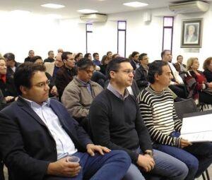 Secretário de Finanças, Pedro Pedrossian Neto, ao lado do secretário-adjunto de Governo, Luciano Martins e o prefeito Marquinhos Trad