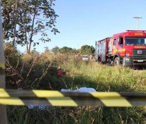 Policia isolou o local onde corpo foi encontrado nesta manhã