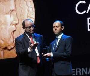 Cauchar Birkar recebe a Medalha Fields