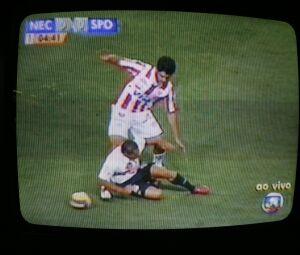 Reprodução de tela de TV exibe partida de futebol, na Rede Globo. (São Paulo, SP, 22.03.2007