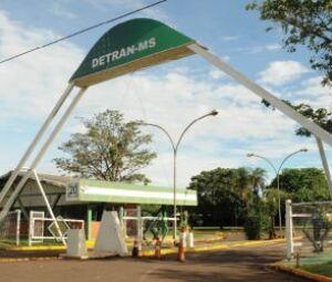 Fachada Dentran-MS, na cidade de Campo Grande