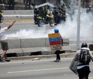 Manifestação contra o governo de Nicolás Maduro, e para comemorar o Dia Primeiro de Maio, em Caracas.