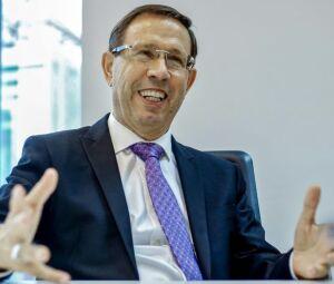 O empresário Carlos Wizard Martins concede entrevista à AFP, em São Paulo