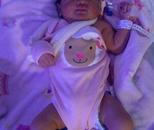 Bebê tem braço quebrado durante parto feito por residentes no Hospital de Cubatão, SP