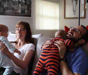 O casal Eduardo e Maria Lopes, pais de Cecília e Martin, beneficiou-se da licença paternidade de quatro meses