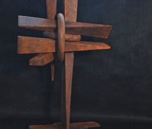 Escultura em ferro de Alfi Vivern