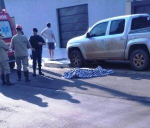 Local onde homem foi morto a tiros por pistoleiro nesta manhã em Ponta Porã (