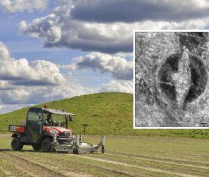 Barco viking funerário foi descoberto com radar sob uma fazenda em Østfold, na Noruega