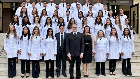 1ª turma de medicina da UEMS forma negros e indígenas; mulheres são maioria