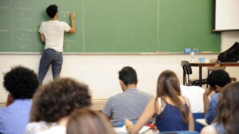 Decreto autoriza retorno das aulas presenciais do ensino superior e cursinho