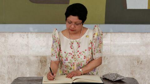 Vídeo: embaixadora das Filipinas no Brasil 'surrava' empregada doméstica de 51 anos