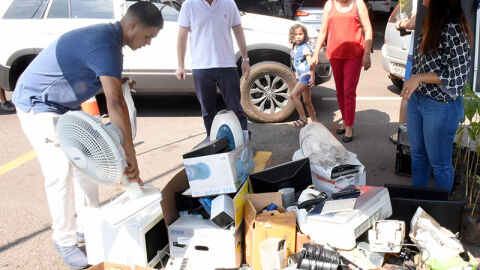 Comper da Capital troca mudas de ipê por lixo neste sábado