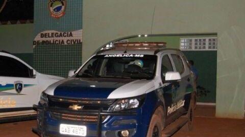 Homem é preso após agredir, ameaçar e sequestrar a ex em Angélica