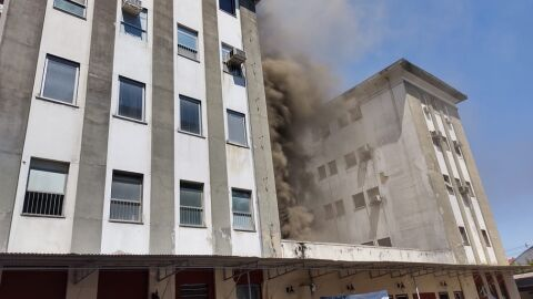 Vídeo: Hospital Federal Bonsucesso no RJ incendeia neste momento