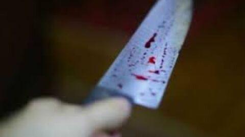 Homem esfaqueado é atendido com lâmina cravada nas costas