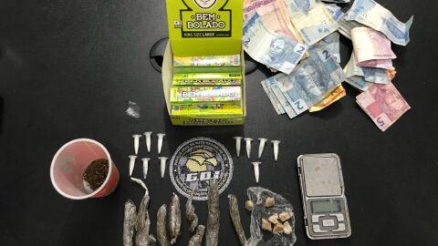 Polícia encontra drogas em conveniência após abordagem a carro de luxo