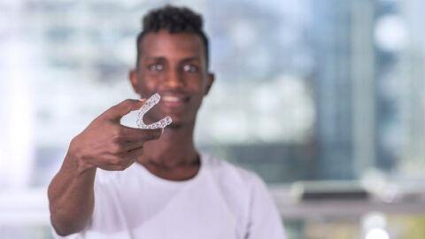 Aparelho invisalign: conheça o método que está cada vez mais ganhando o sorriso dos brasileiros