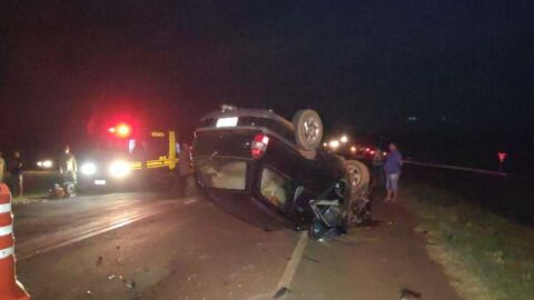 Após colisão, um homem morreu e duas pessoas ficaram gravemente feridas