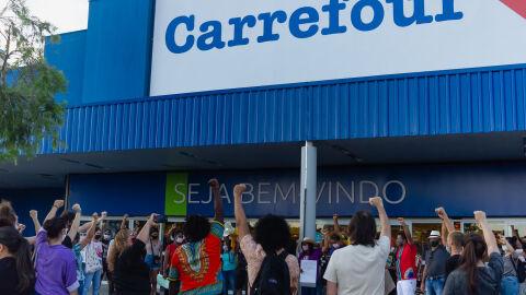 Vídeo: manifestação na Rede Carrefour em Campo Grande; lojas foram incendiadas no país