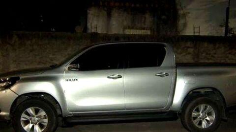 Homem tem caminhotene roubada por homens armados na fronteira