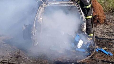 Veículo carregado com maconha pega fogo às margens da rodovia MS-156