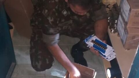 Operação do Exército prende duas pessoas, apreende 57 armas e 26 mil munições