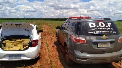 Traficante tenta fugir de carro e correndo, mas é preso com mais de meia tonelada de droga