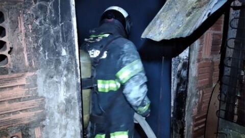 Homem perde tudo o que tinha após casa pegar fogo em Corumbá
