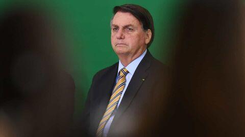 Bolsonaro justifica alta na conta de luz com nível de represas e risco de apagões