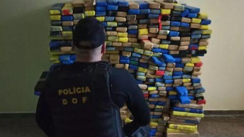 Policiais apreendem quase meia tonelada de maconha em casa abandonada