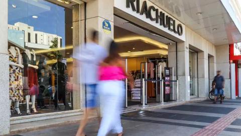 Denúncia: Loja Riachuelo na Capital mantém funcionários infectados trabalhando