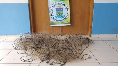 PMA fiscaliza rio Sucuriú e apreende 170 metros de redes de pesca