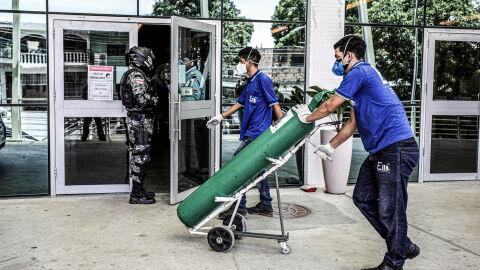 Maduro anuncia envio de oxigênio hospitalar a Manaus